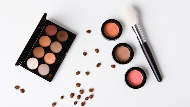 Jak ograniczyć kupowanie kosmetyków? 5 ważnych zasad!