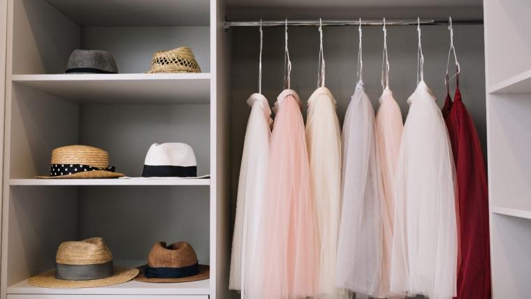 Jak zorganizować miejsce w szafie?