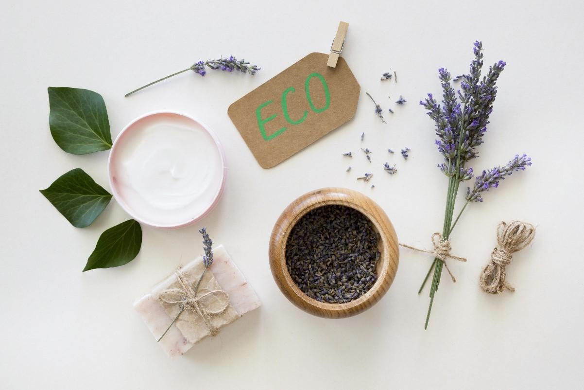 Kosmetyki ekologiczne a organiczne - co to znaczy?
