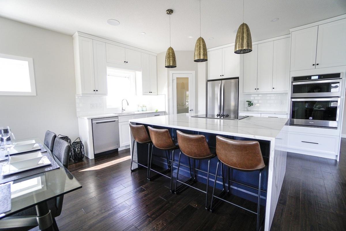 Jak wprowadzić minimalizm w kuchni?