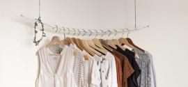 Podstawowe ubrania w damskiej szafie, czyli odzież basic